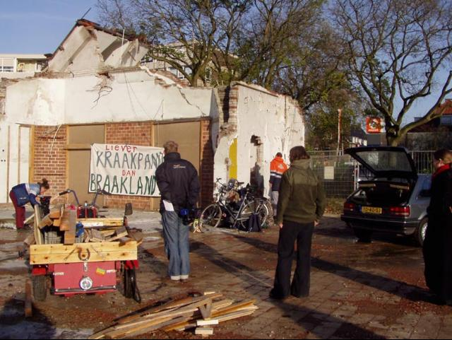 Indymedia NL (Nederland)   Wageningen  krakers bezetten sloopterrein