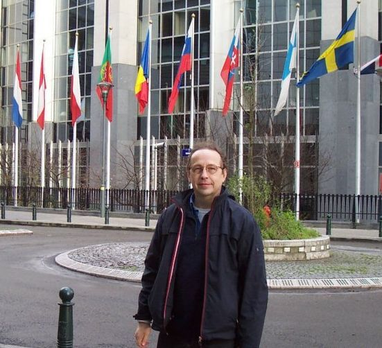 Photo, political refugee from US Dr Les (Leslie) Sachs at EU Parliament